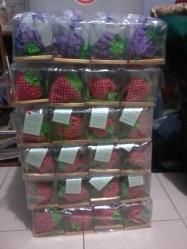 Tas Lipat Strawberry, Anggur, dan Nanas